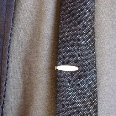 brown_tie_detail_full