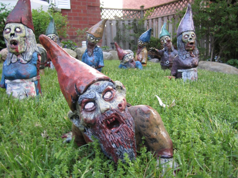 Zombie gnomes Zumbi de jardim
